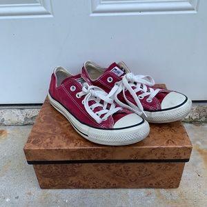 Converse size 7 burgundy